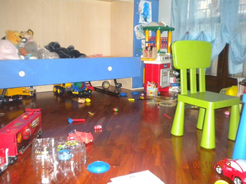 La stanza di Simone dopo che ci ha giocato!