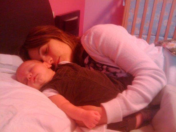 Per quanto tempo si può dormire con i propri figli?